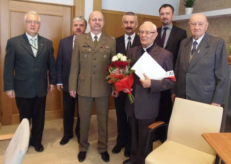 nominacja oficerska dla ks. Czesława Wierzbickiego 2012 2