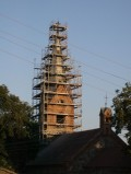 remont wieży kościoła w Lubiewie 08.2013 2