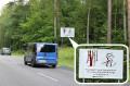 Znak drogowy Rezerwat Cisów Staropolskich w Wierzchlesie 07.2014 kopia