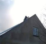 Zabezpieczenie dachu po wichurze ul. Sępoleńska Gostycyn OSP Gostycyn (fot. OSP Gostycyn) 5