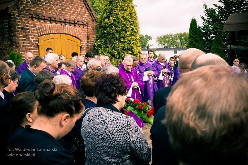 Pogrzeb ks. Kazimierz Ostrowski Wielka Klonia 2.09.2015 fot. Waldemar Lamparski 6