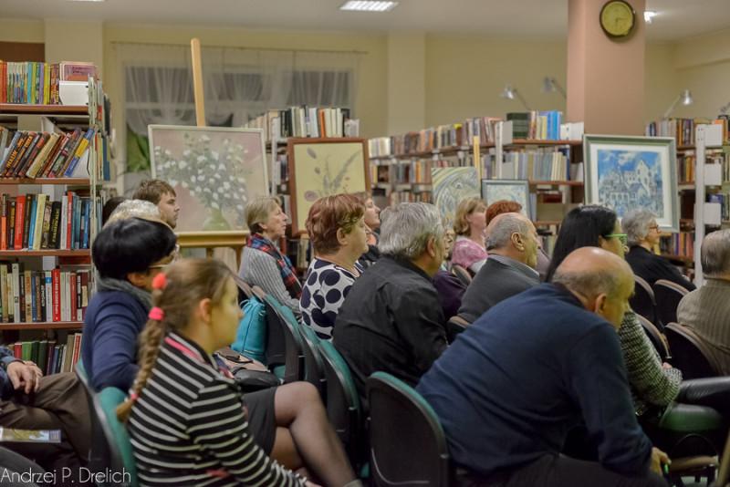 Irena Grabowiecka w Tucholi wystawa MBT i Dialogi Poetyckie (Bronisława Sibiga) MBP Tuchola  4.11.2015-11
