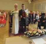 Dęby małżeńskie po raz pierwszy wręczone podczas ślubu 24.04.2017 fot. UM Tuchola 1