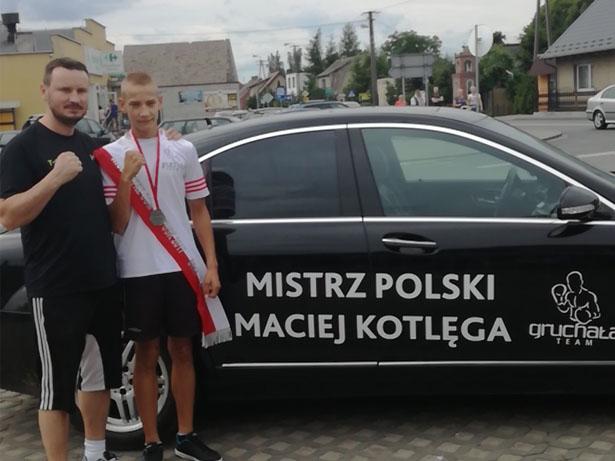 Maciej Kotlęga srebro na Ogólnopolskiej Olimpiadzie Młodzieży Półtusk 07.2017 (fot.  Boxing Team Chojnice) 2