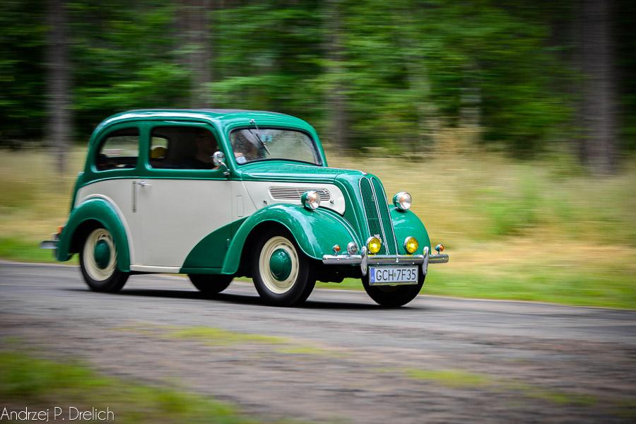 Wystawa Pojazdów Samochodowych rajd po Borach Tucholskich-16
