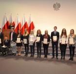 Najzdolniejsi uczniowie z powiatu tucholskiego ze stypendiami premiera 3